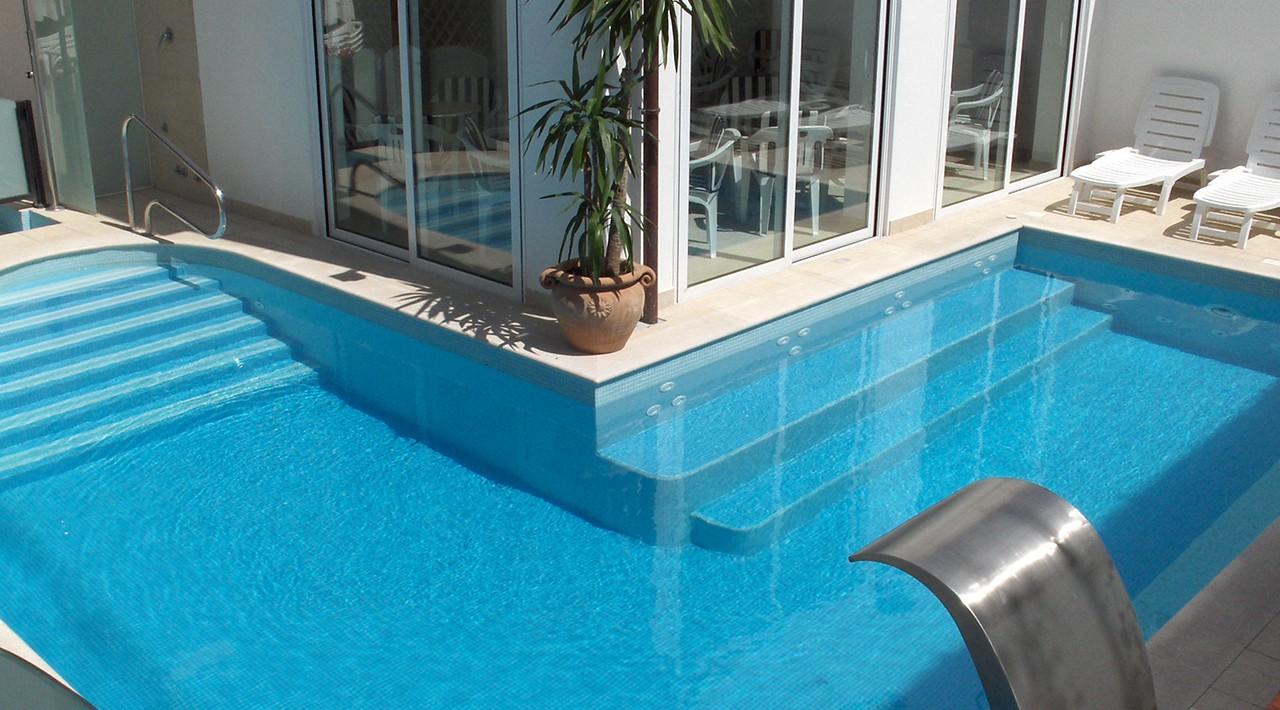 Hotel riccione una stella con piscina hotel karina - Hotel con piscina a riccione ...